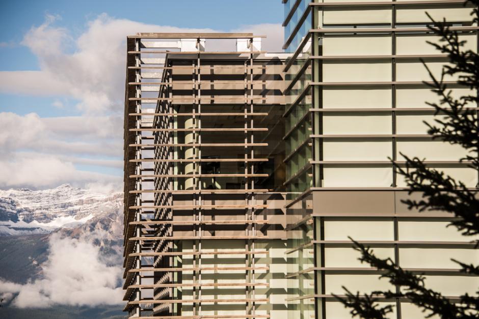 Kinnear Centre for Creativity and Innovation building against misty mountains