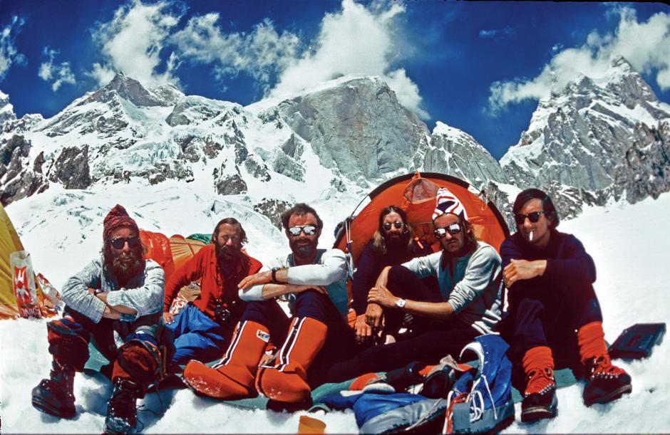 1977 –the team at the Ogre Advanced Base Camp. L–R: Clive Rowland, Chris Bonington, Nick Estcourt, Doug Scott, Paul 'Tut' Braithwaite and Mo Anthoine.