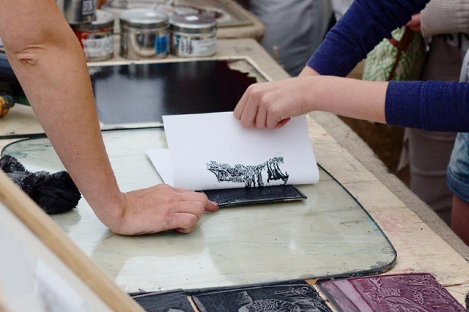 Printing Using a Linocut Design