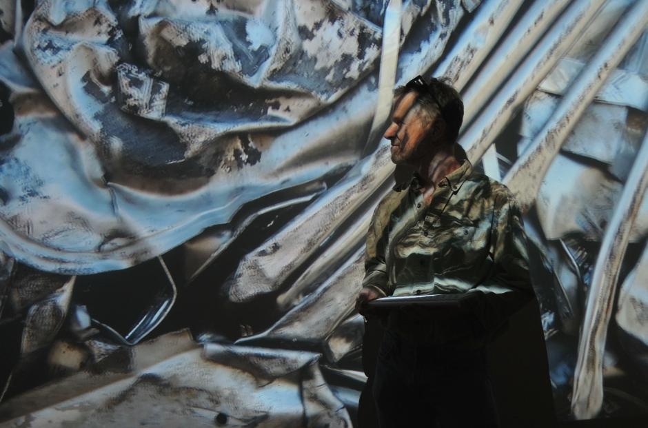 """Artist Marten Berkman and his work """"Hart to Heart"""""""