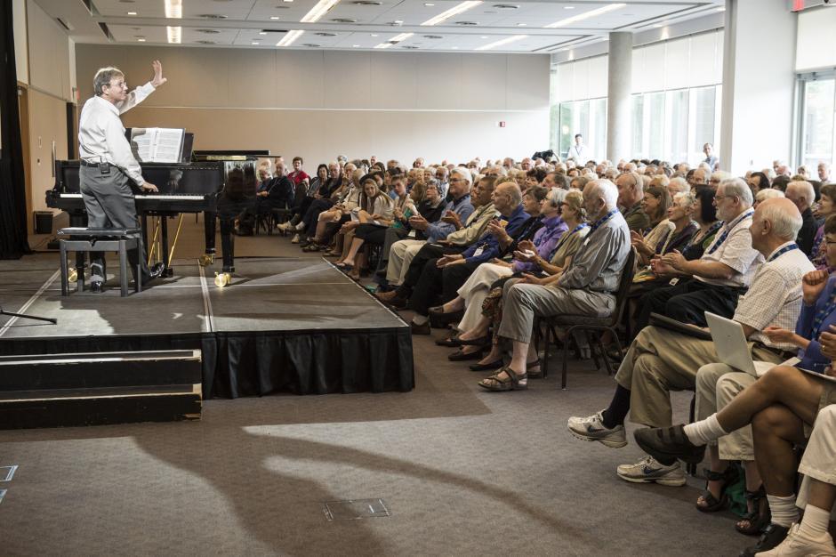 Robert Kapilow giving a lecture