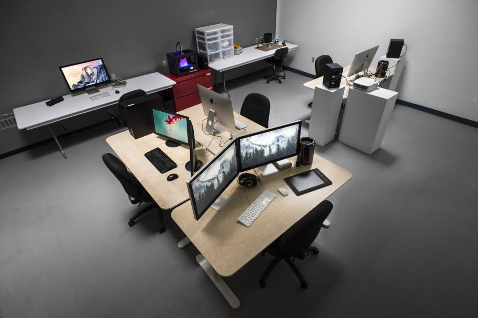Digital Media Studio in Visual + Digital Arts