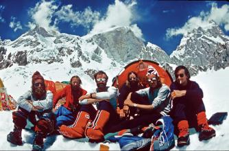 1977 – the team at the Ogre Advanced Base Camp. L–R: Clive Rowland, Chris Bonington, Nick Estcourt, Doug Scott, Paul 'Tut' Braithwaite and Mo Anthoine.