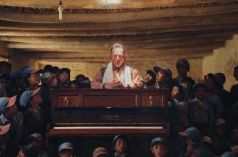 Image from the film Piano to Zanskar © Jarek Kotomski