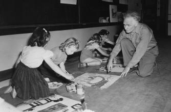 Children's painting class in 1952, Banff Centre. Paul D. Fleck Library and Archives.