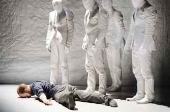Tempest, Crystal Pite. Photo: Jörg Baumann. Performers: Eric Beauchesne, Jermaine Spivey, Jiri Pokorny, Peter Chu, Yannick Matthon