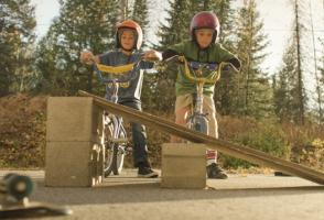 Image from the film Siblings