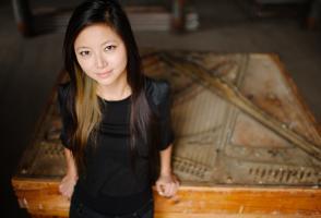Vicky Chow Headshot