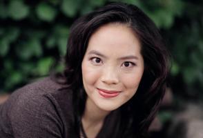 Vivian Fung Headshot