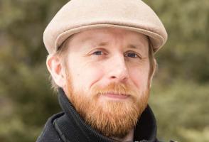 Peter Eaton colour headshot